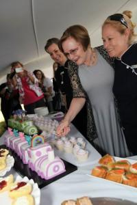 cake_cutting_opening